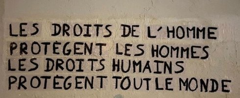 Les collages #droitshumains envahissent la France !